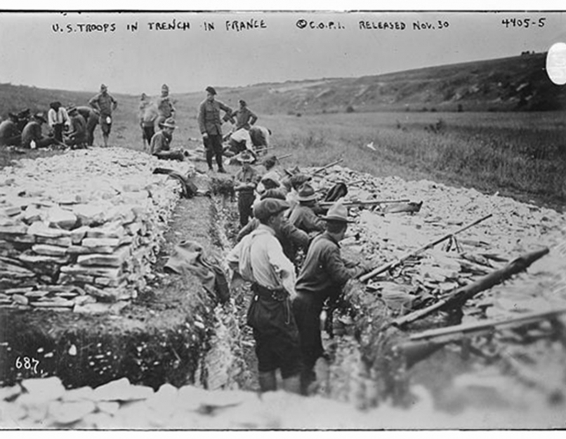 u.s. troops in trench in france
