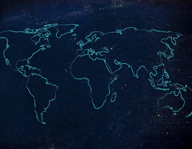 Outlined map of the world